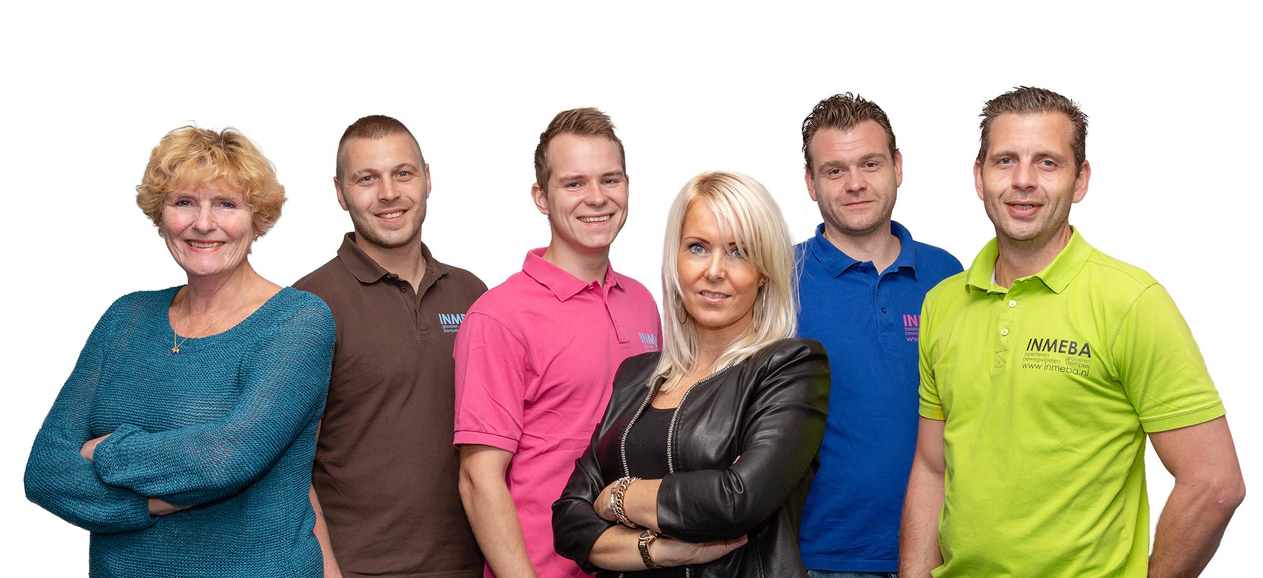 INMEBA Zaandam Belettering Bewegwijzering Stempels Graveren Team